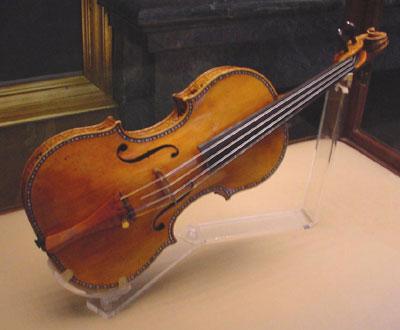 stradivarius-2